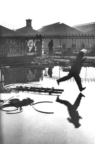 Henro Cartier-Bresson, Behind the Gare saint_lazare, 1932