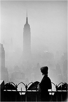 Elliott Erwitt, New York City 1955 (Empire State building)