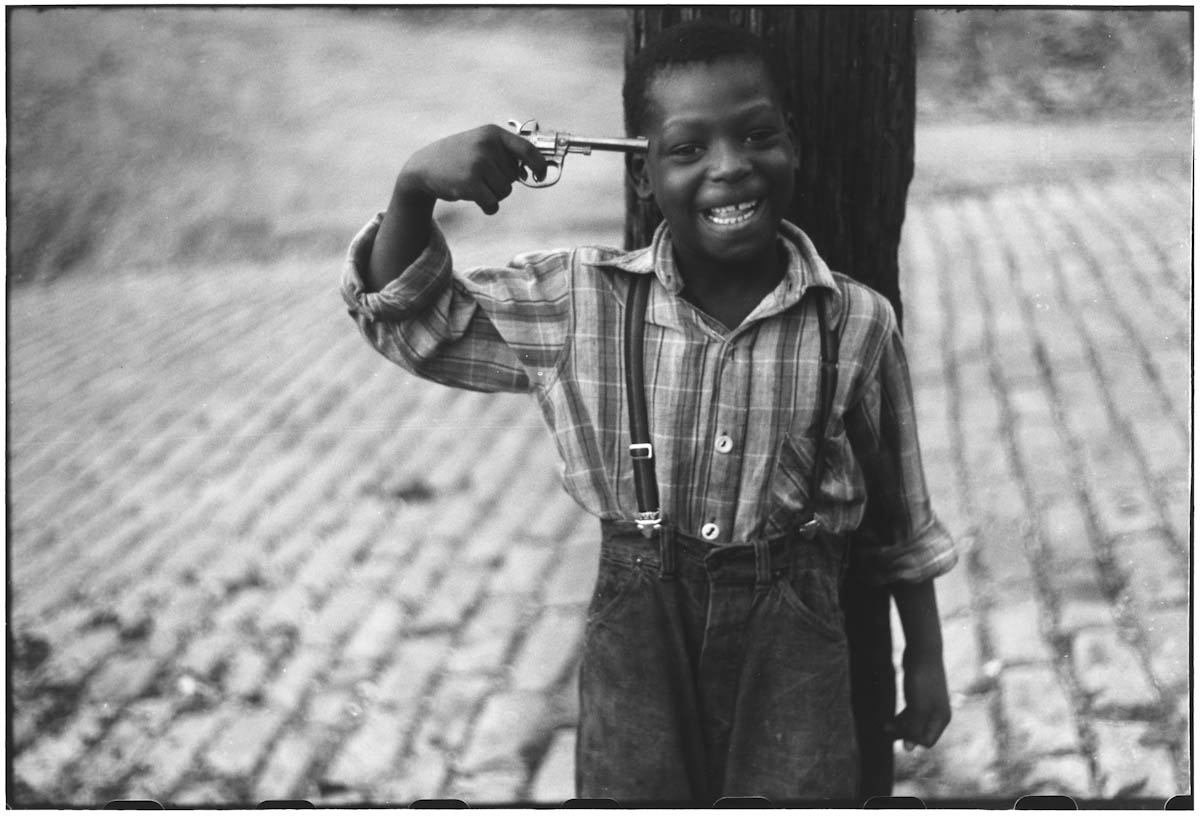 Great Black And White Photography : Pittsburgh pennsylvania boy with pistol