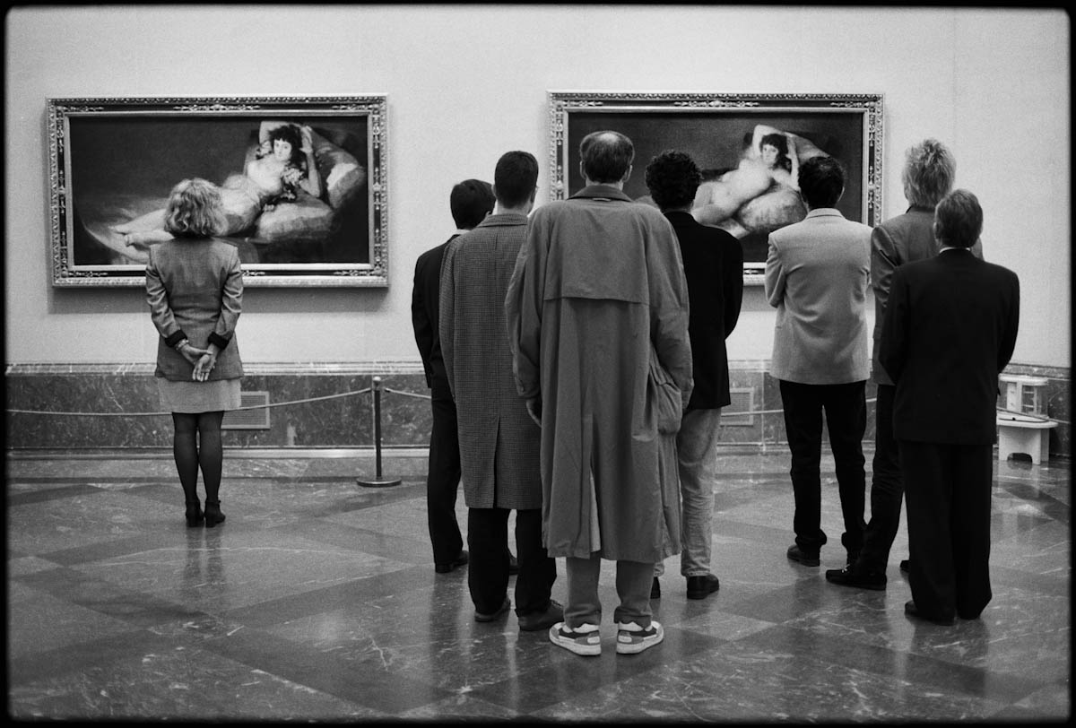 Elliott Erwitt Madrid, 1995 (Goya paintings)