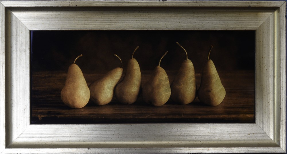 Kate Breakey, Six Pears