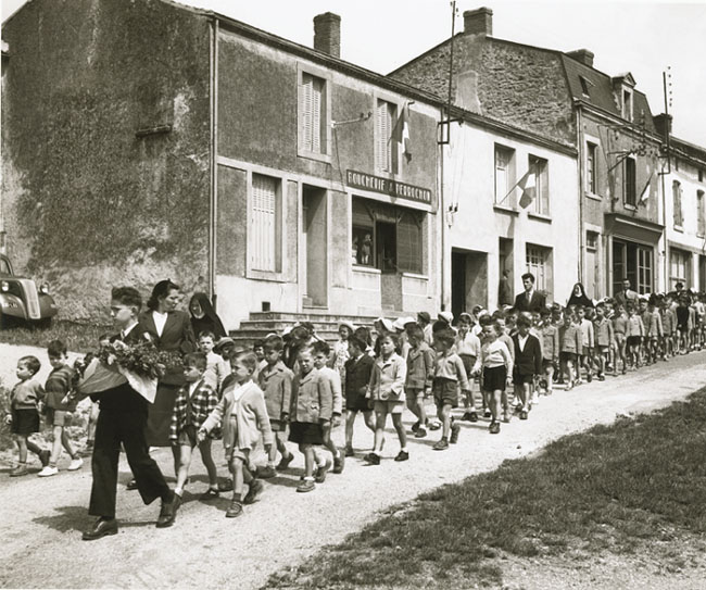 Robert Doisneau Photography Children Robert Doisneau: Franc...