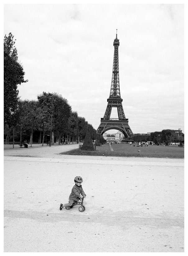 A little boy, paris