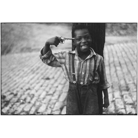 Pittsburgh, Pennsylvania,  1950 (Boy with pistol)