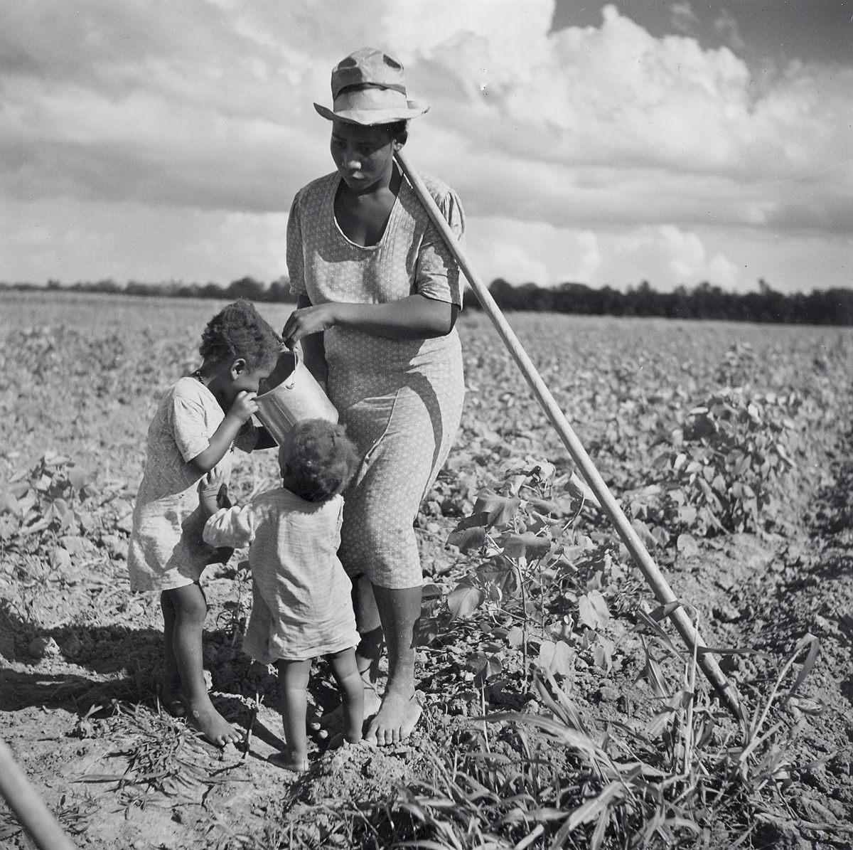 Marion Post-Wolcott, Taking a Drink, Natchitoches, LA 1941