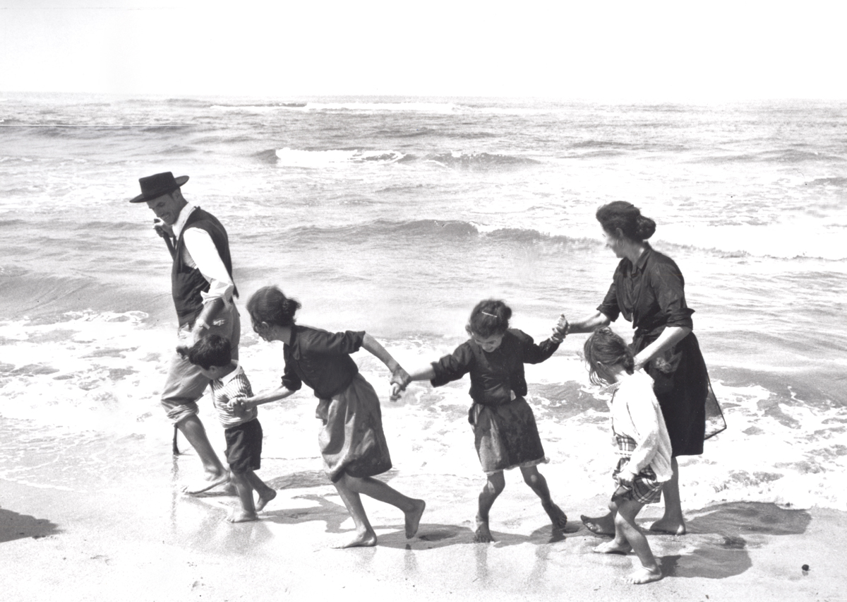 Edouard Boubat Family on the Beach