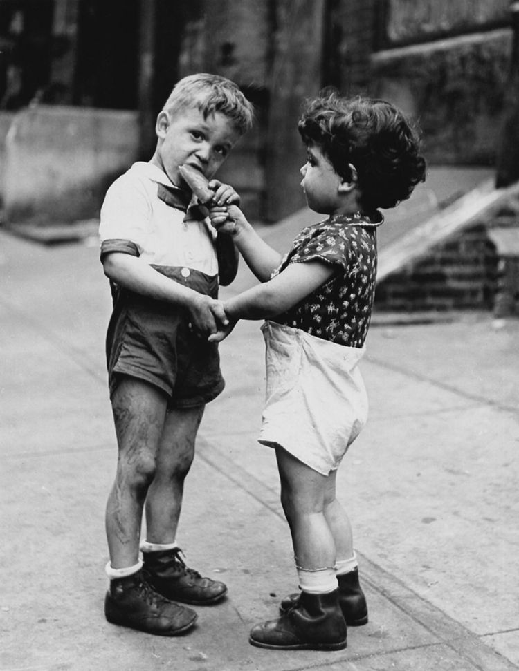 Fred Stein, Untitled (Sharing Ice Cream), Catherine Couturier Gallery